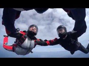 30. 04. 17. Мензелинск прыжки с парашютом - YouTube