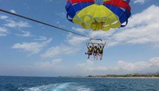 ЧП в Турции- У калининградских туристок оборвался трос парашюта