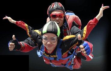 Незабываемый прыжок с парашютом в Москве, цены на прыжки с парашютом