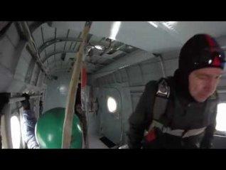 Прыжки с парашютом. Красноярск Аэродром ДОСААФ Манский. - YouTube