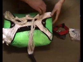 Укладка запасного парашюта - YouTube